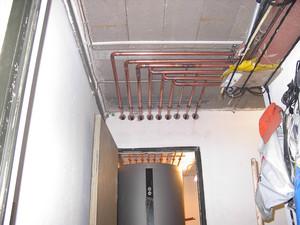 Installation der Rohrleitungen